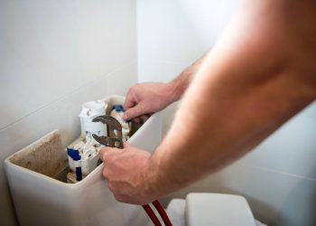 Checking for and preventing leaks in your bathroom